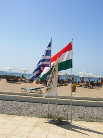 A magyar olipiai tábor Athénban, ahol több mint ezer magyar szúrkoló lakik egyszerre!